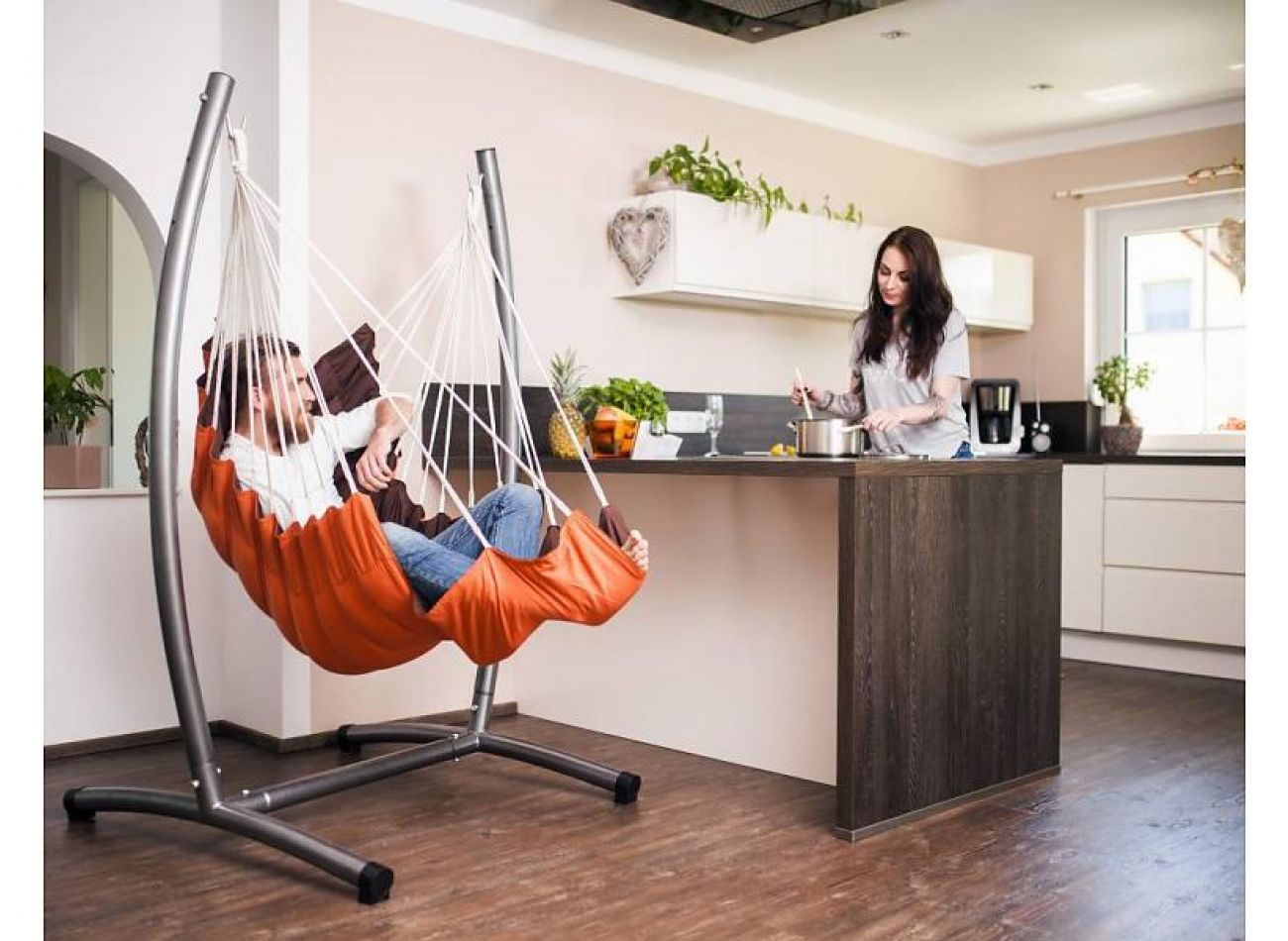 Hanging Chair Stand Omega